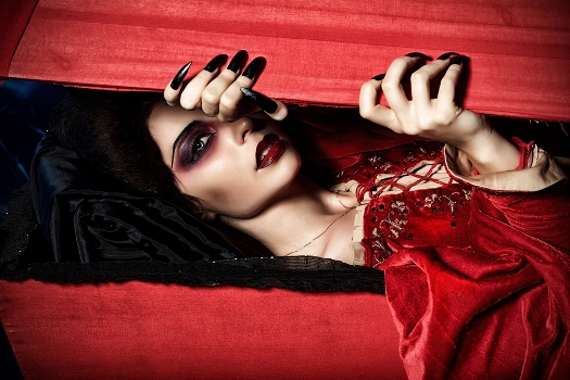 Top 5 Vampire Costumes of 2015
